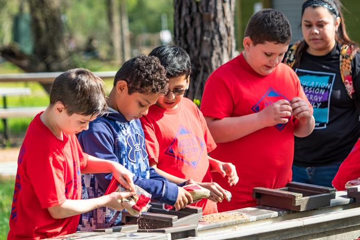 school children gem mining